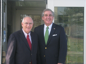 image of MCTC President Dr. Ed Story with Lt. Gov. Jerry Abramson